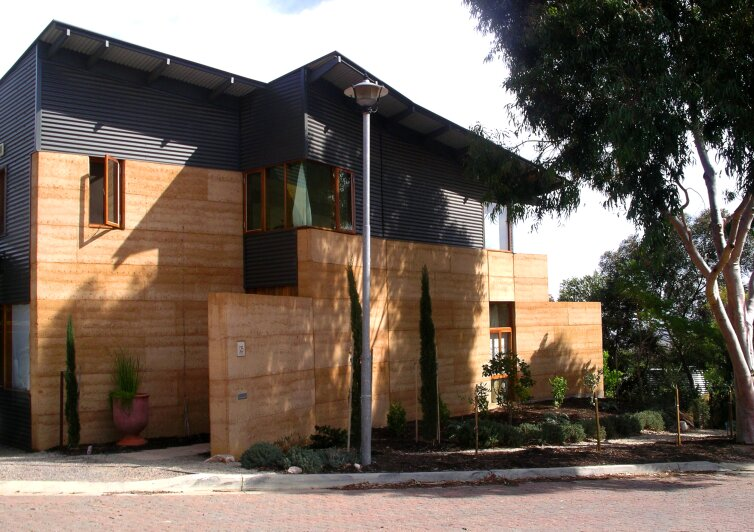 adobe and rammed earth buildings design and construction